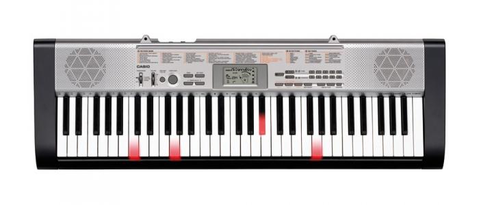 Синтезатор с подсветкой Casio LK-130