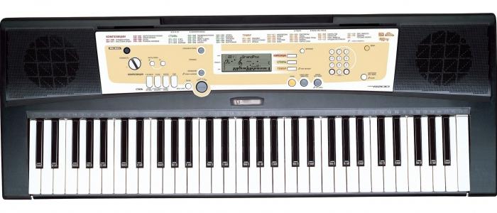 Синтезатор  PSR-R200